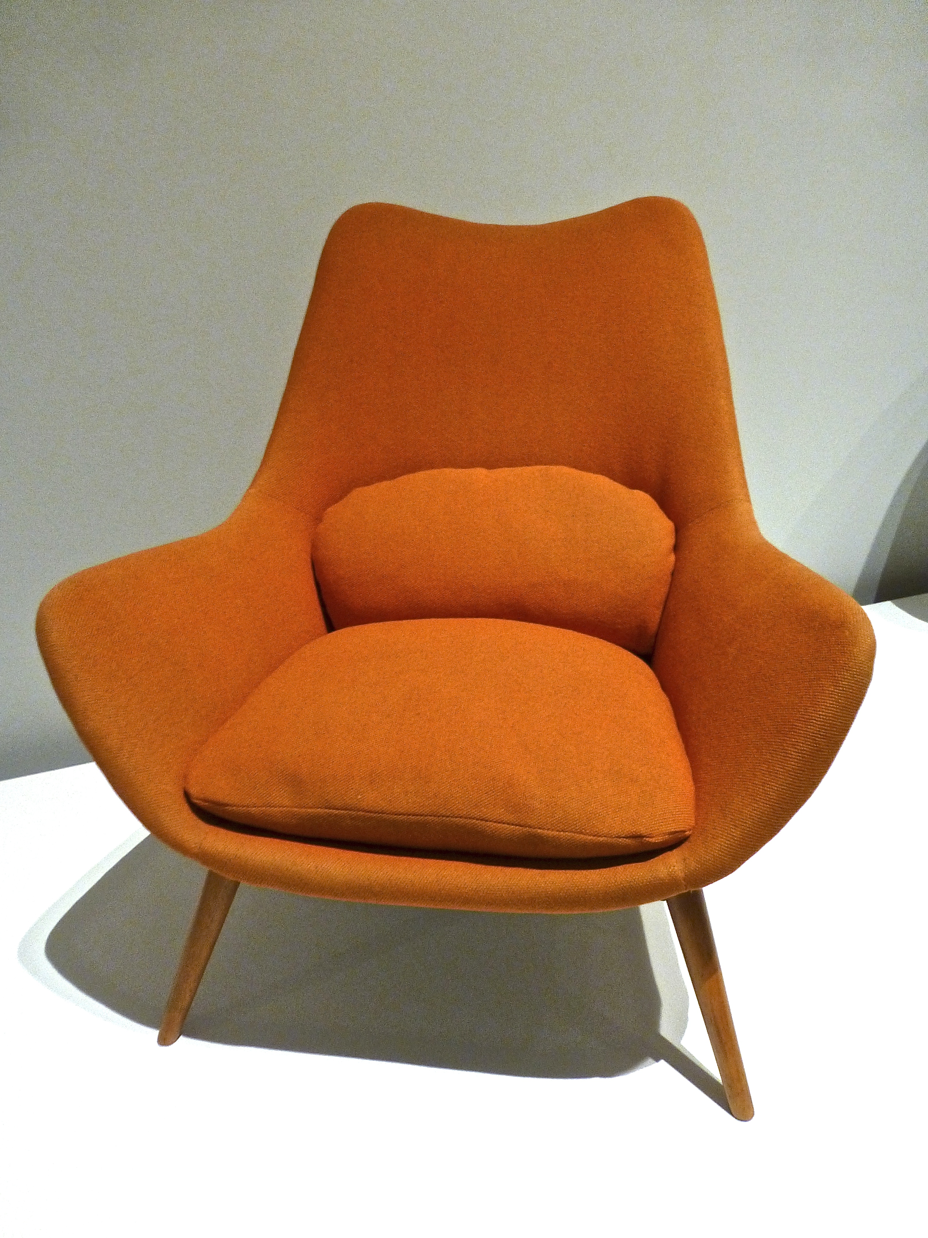 E2 Elastic Suspension Chair by Grant Featherston, 1954