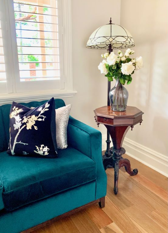 Classic Living Vignette with Tiffany Lamp