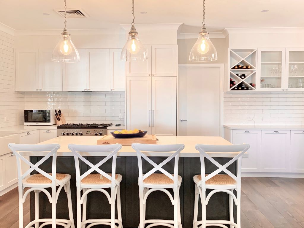 Classic White Kitchen with Crossback Bar Stools