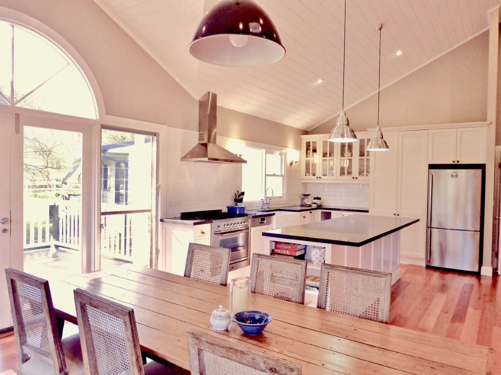 Hamptons Kitchen and Dining Space