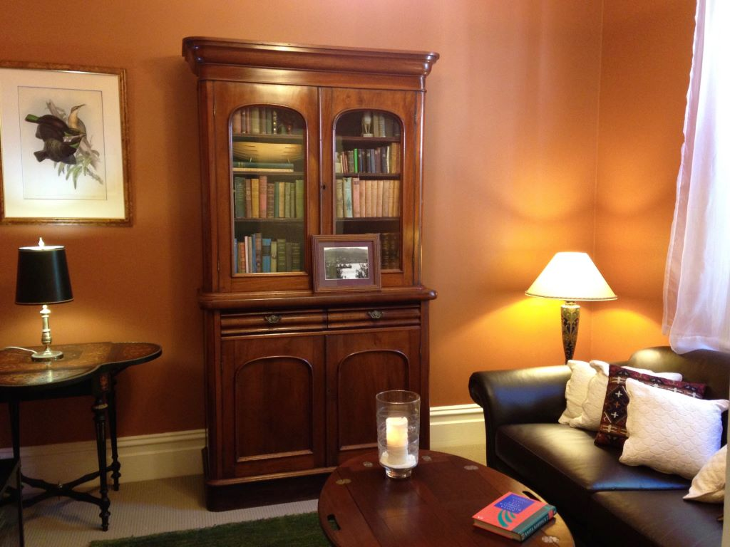 Traditional Style Snug-Library