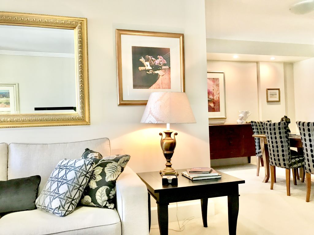 Transitional Living-Dining showing Pattern Combinations